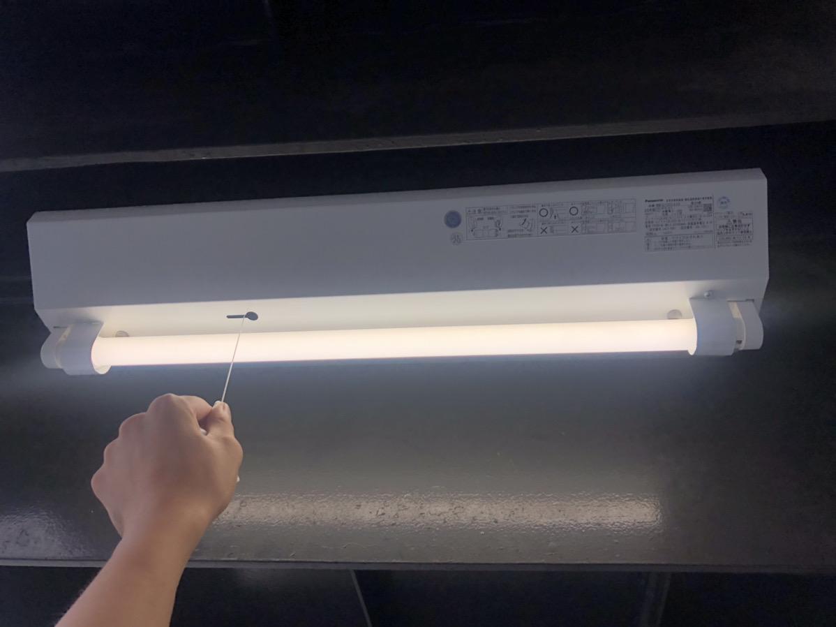 階段通路誘導灯本体交換について