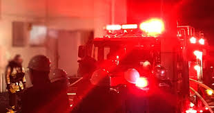 警報音が鳴っている……消防車が出動!?